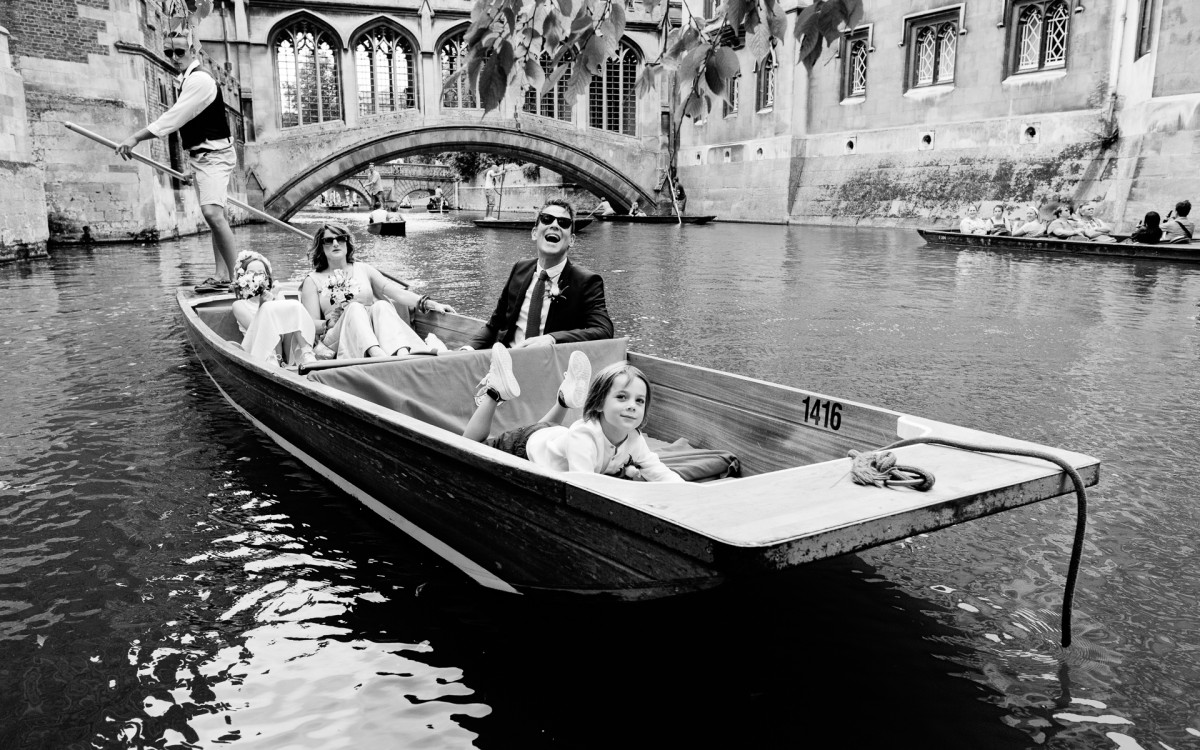 cambridge uni wedding punt photography